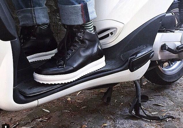 Moda uomo 2019  le sneakers fanno tendenza - Blog Guido Maggi 57b1bf67399