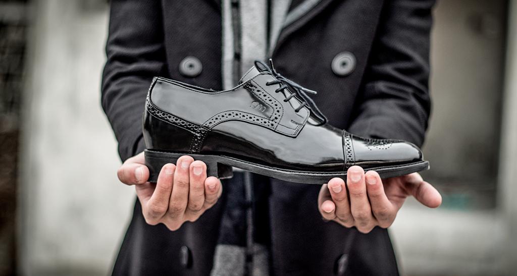 Capodanno, le scarpe con rialzo GM per un outfit sempre cool