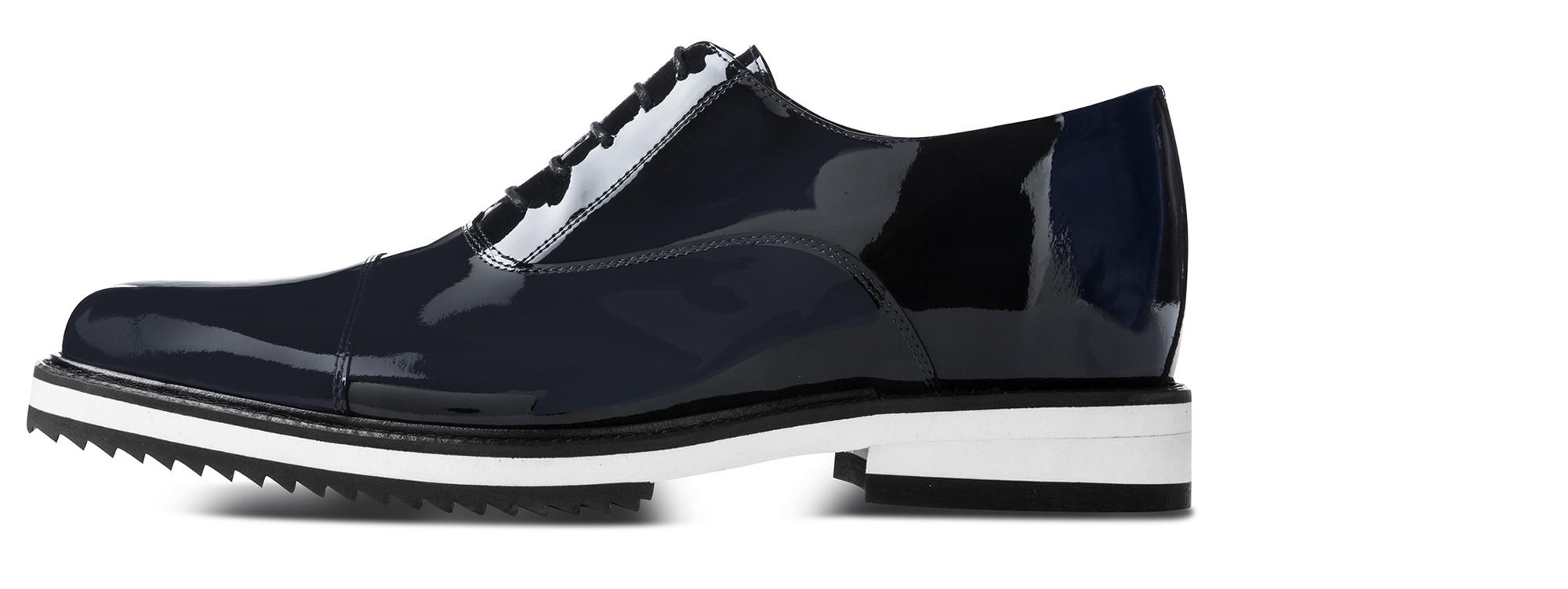 elevator shoes